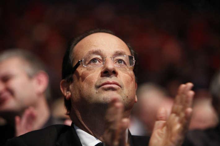 Pourquoi François Hollande est-il de retour sur la scène médiatique?