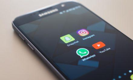 Les médias traditionnels et les médias sociaux en forte concurrence
